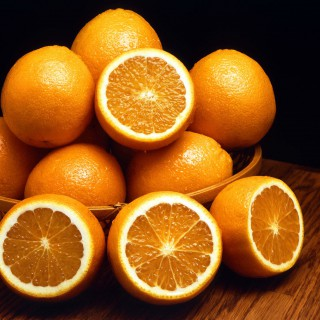 Orangen in einer Schale